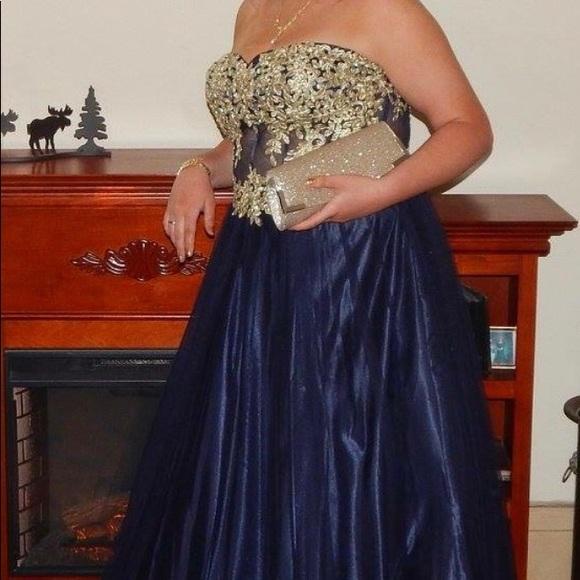 Elegant strapless plus size prom gown